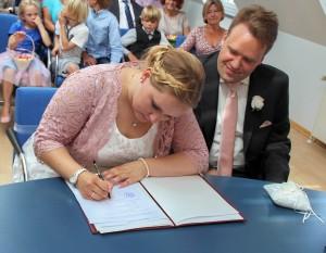 Hochzeitspaar Unterschrift